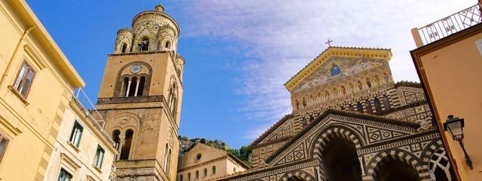 Die Amalfiküste mit dem Hauptort Amalfi